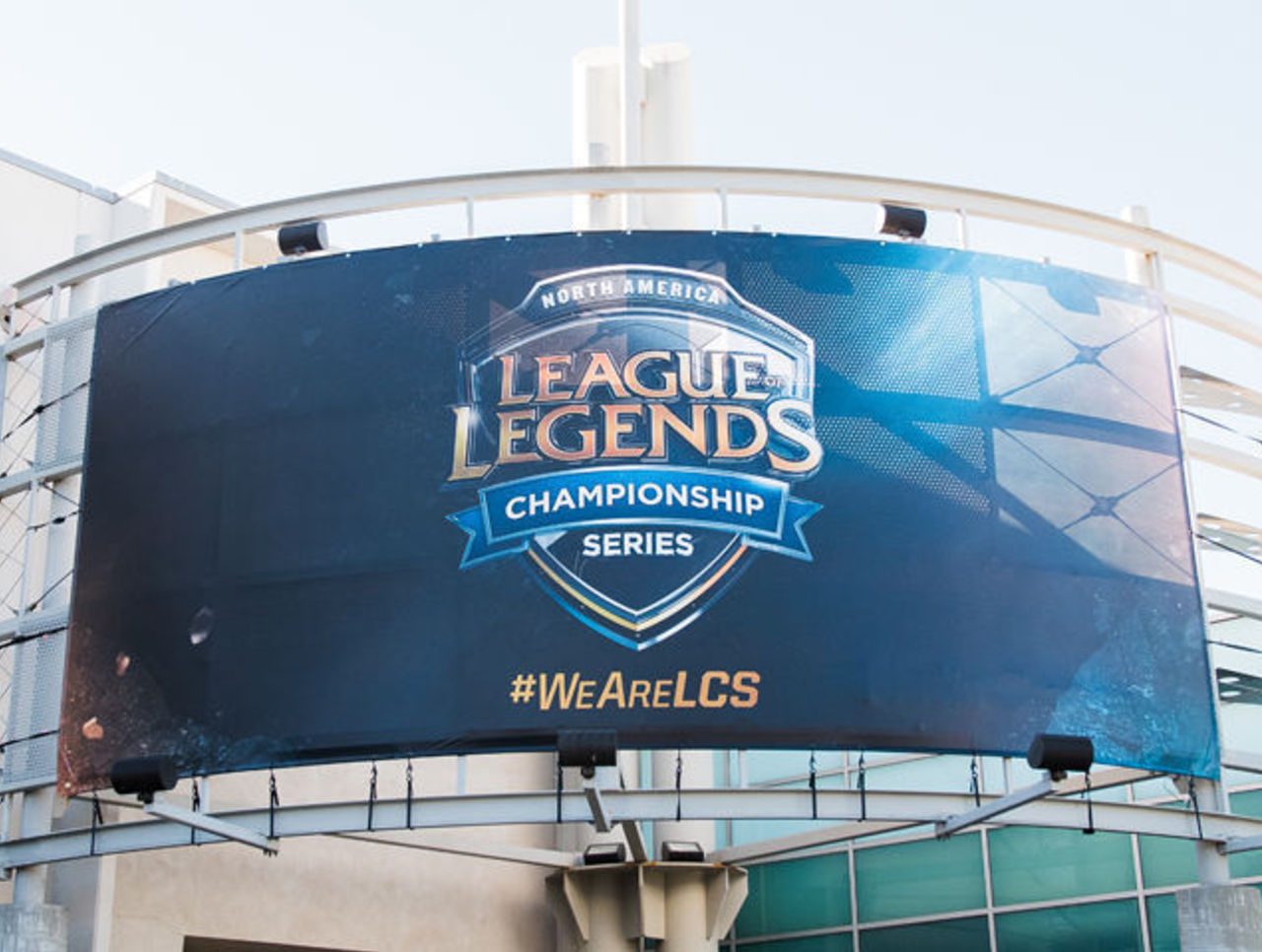 Cropped riot nalcs  7